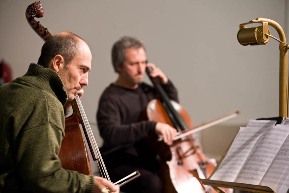 Madama Viola<br/>Messer Violoncello